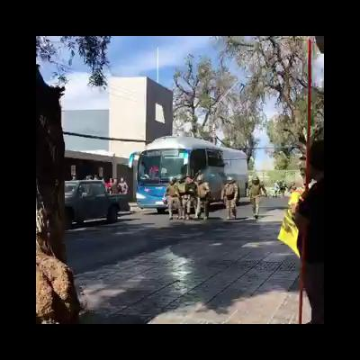 Carabineros toma detenido a manifestante en marchapacífica