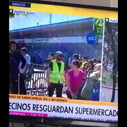 Medios de comunicación censuran a manifestanteentrevistada