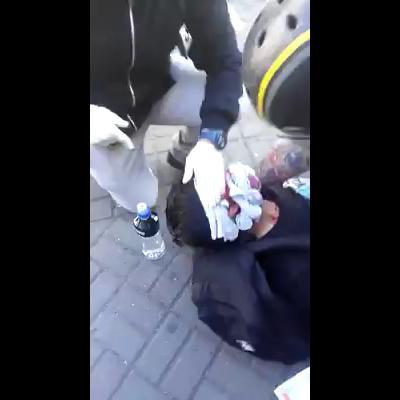 Manifestante herido por disparo de lacrimógena en sucabeza