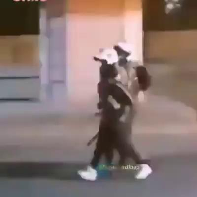 Carabineros detienen y golpean a niño con suluma