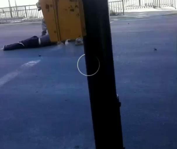 Militares disparan y arrastran cuerpo presuntamenteasesinado
